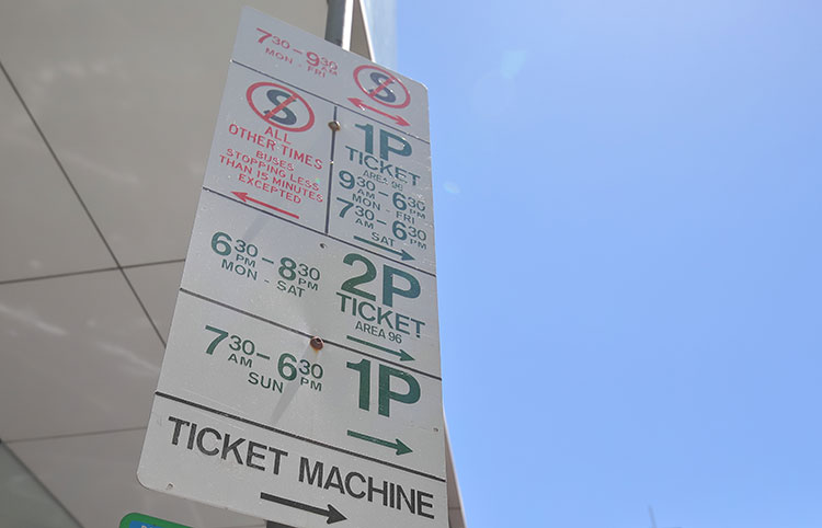 a parking sign in melbroune